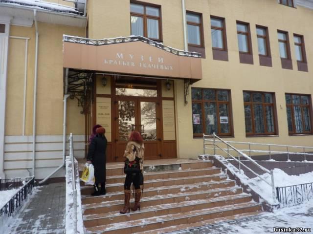 В музее братьев Ткачёвых с 20 декабря открылась выставка под феерическим названием.  Где, свои работы из бисера, а...